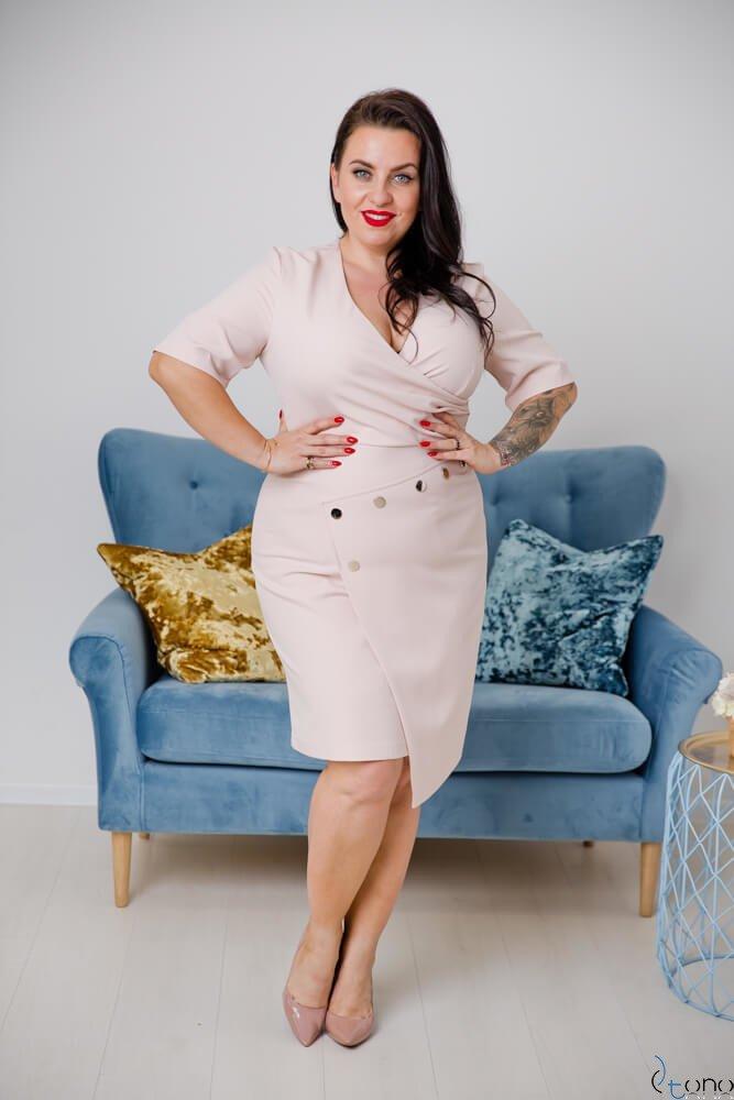 Pudrowo-różowa Sukienka SIMPOSA Plus Size