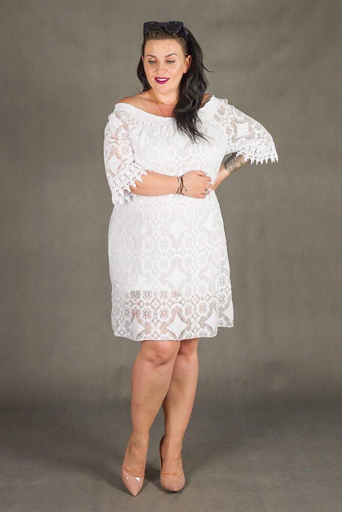 Biała Sukienka GORIZIA Koronka Plus Size