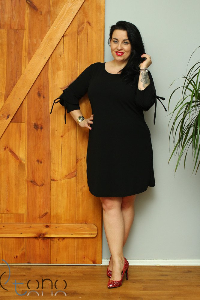 Czarna Sukienka LARNAKA Modna Unikalny Rękaw Plus Size