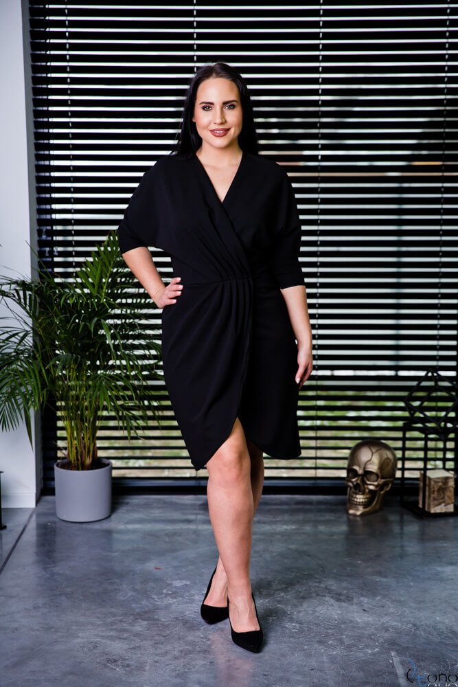 Czarna Sukienka SOFIJA Plus Size