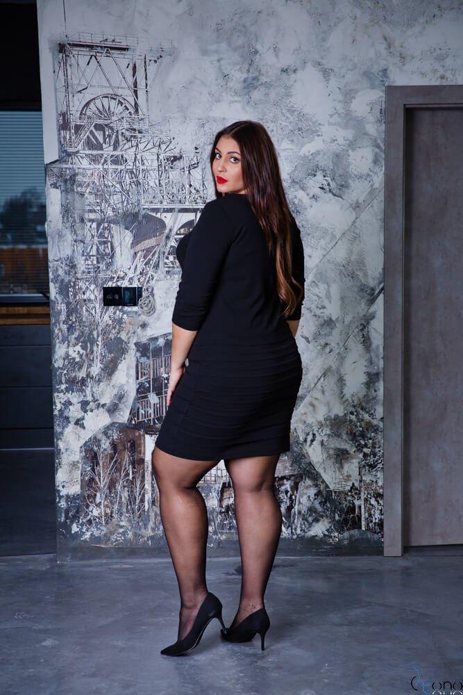 Czarna Sukienka SOMBER Plus Size