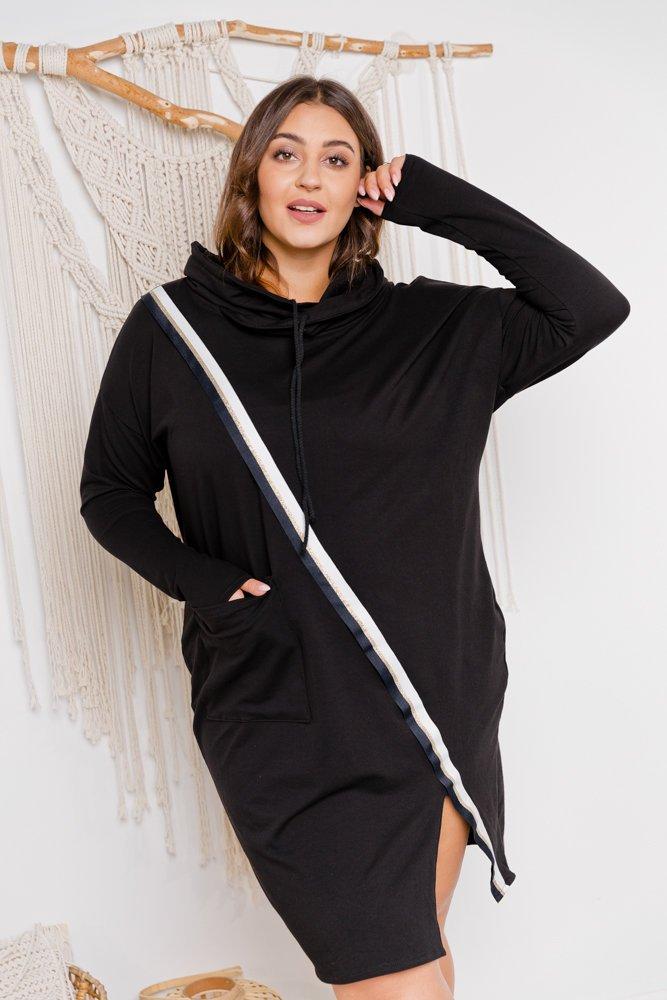 Czarna sukienka LAGME Plus Size