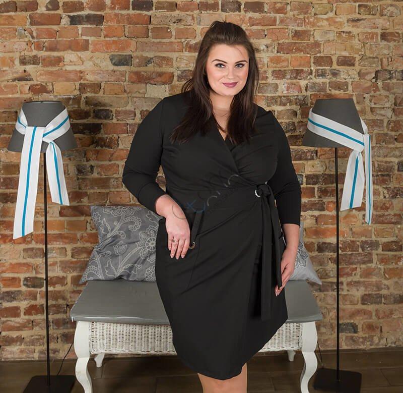 Czarna sukienka damska KIMBERLY kopertowa Size Plus