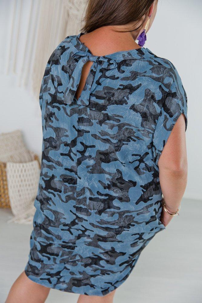 Niebieska Sukienka VOLTRA Plus Size