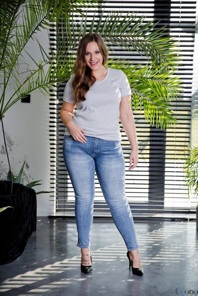 Szara Bluzka damska DETRRA T-Shirt Plus Size